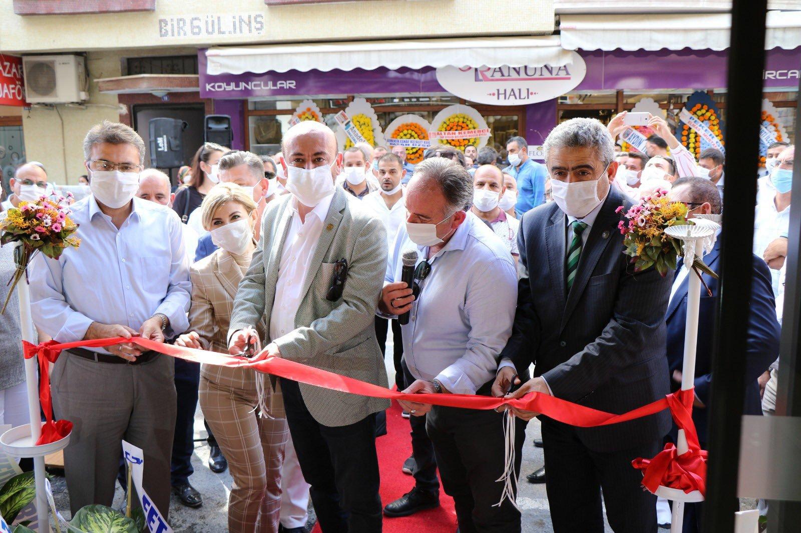 AYTO 8. Meslek Komitesi Başkanımız L.Ebru Bircan Batur'a ait Bircan Mobilya'nın açılışı gerçekleştirildi