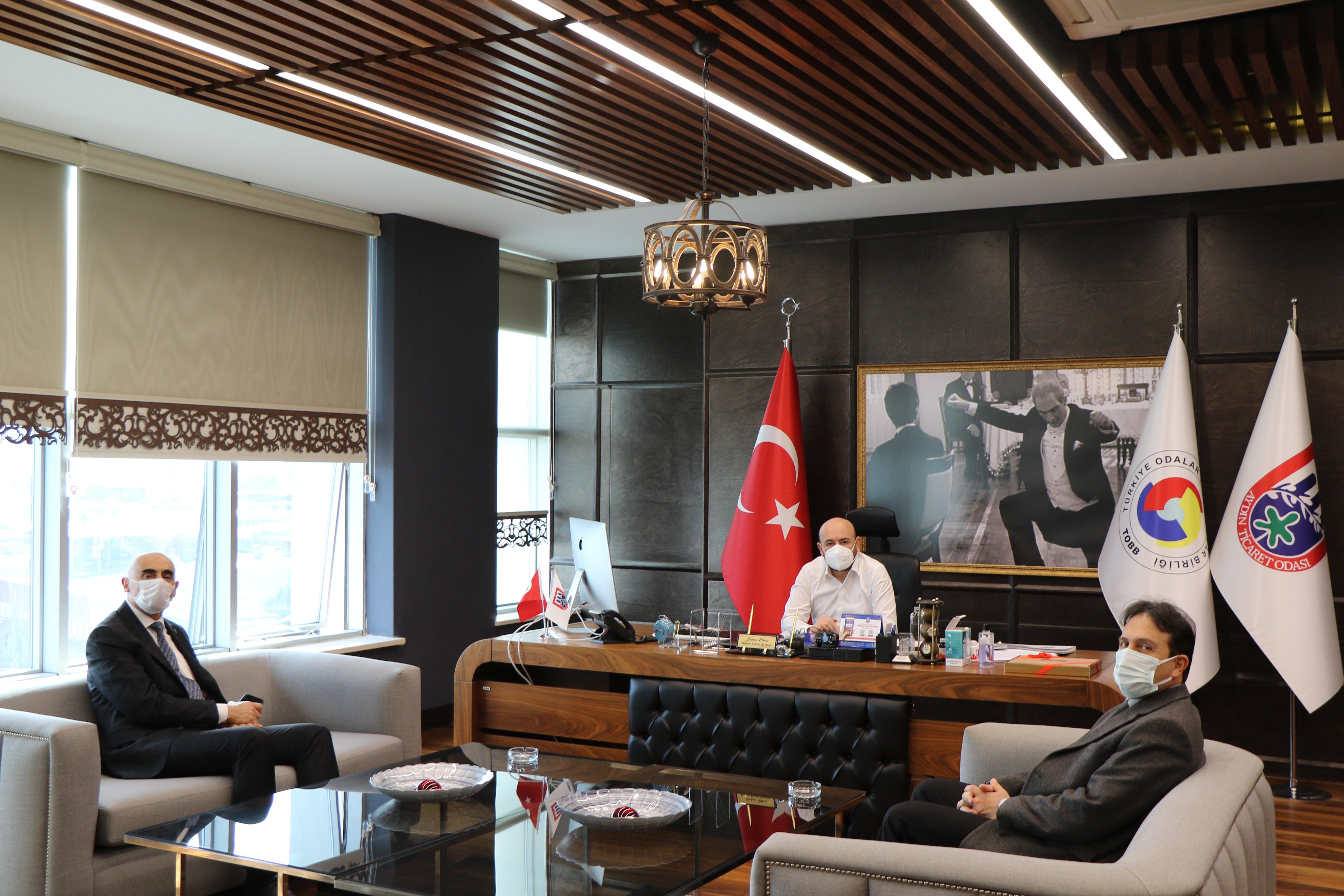 Aydın Sanayi ve Teknoloji İl Müdürü Ahmet Bayram ER, TOBB Yönetim Kurulu Üyesi ve Odamız Başkanı Hakan ÜLKEN'İ makamında ziyaret etti