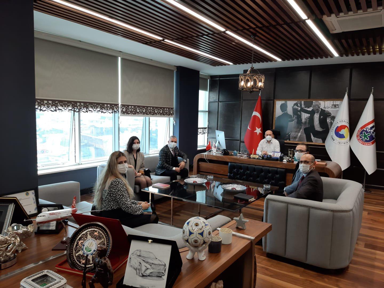Odamız Üyesi 4K Uluslararası Belgelendirme İnsan Kaynakları ve Yönetim Danışmanlığı Firması Müdürü Salih ARIBAŞ ve yöneticileri, TOBB Yönetim Kurulu Üyesi ve Odamız Başkanı Hakan ÜLKEN' i makamında ziyaret etti